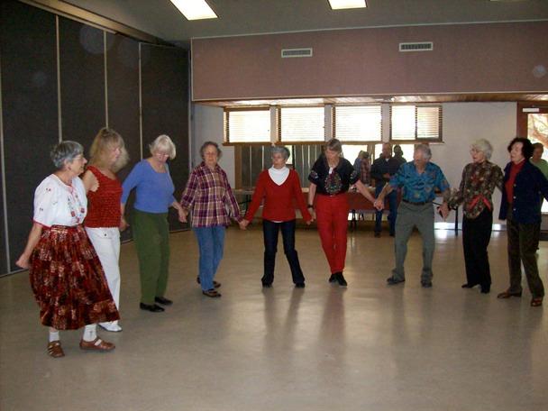 Bay Osos Folk Dancers